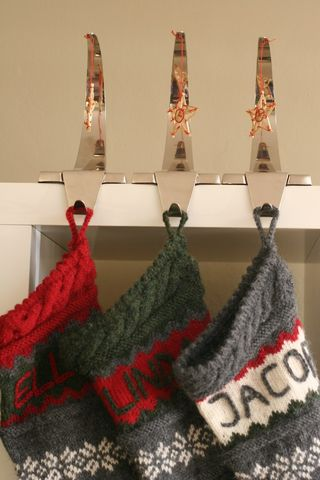 Stocking_holders
