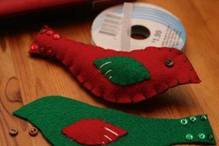 Red_bird_green_pieces