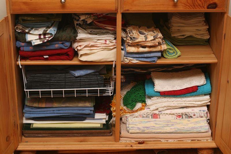 Linen_cabinet